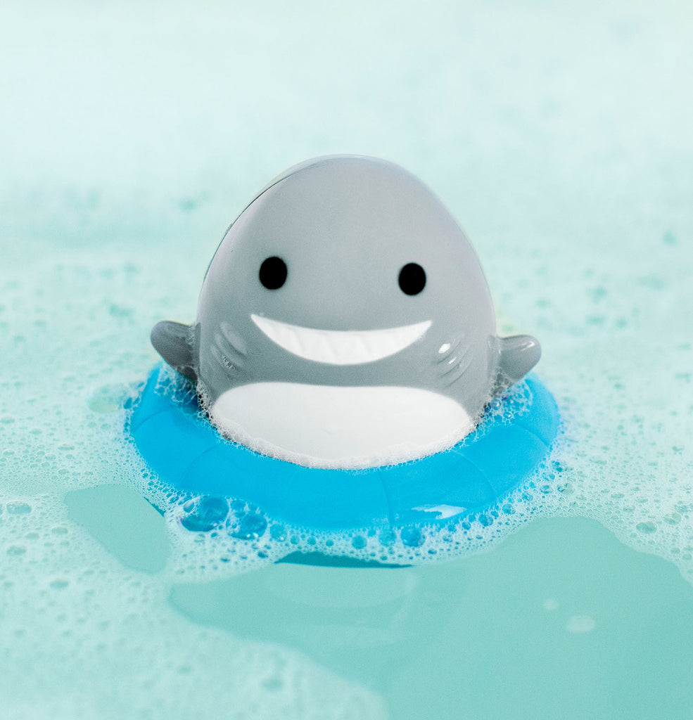 Sea Spinner™ Wind-Up Shark Bath Toy - Munchkin