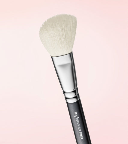 127 Luxe Sheer Cheek Brush