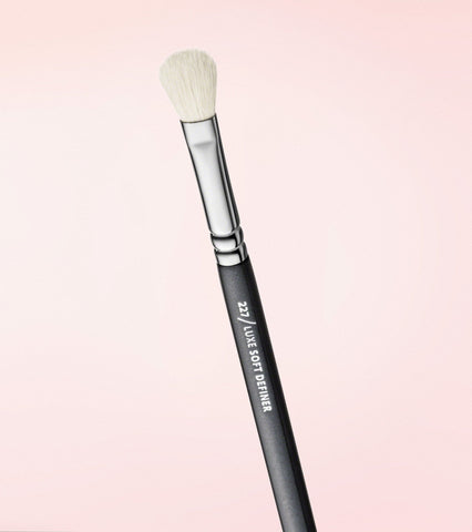 227 Luxe Soft Definer Brush