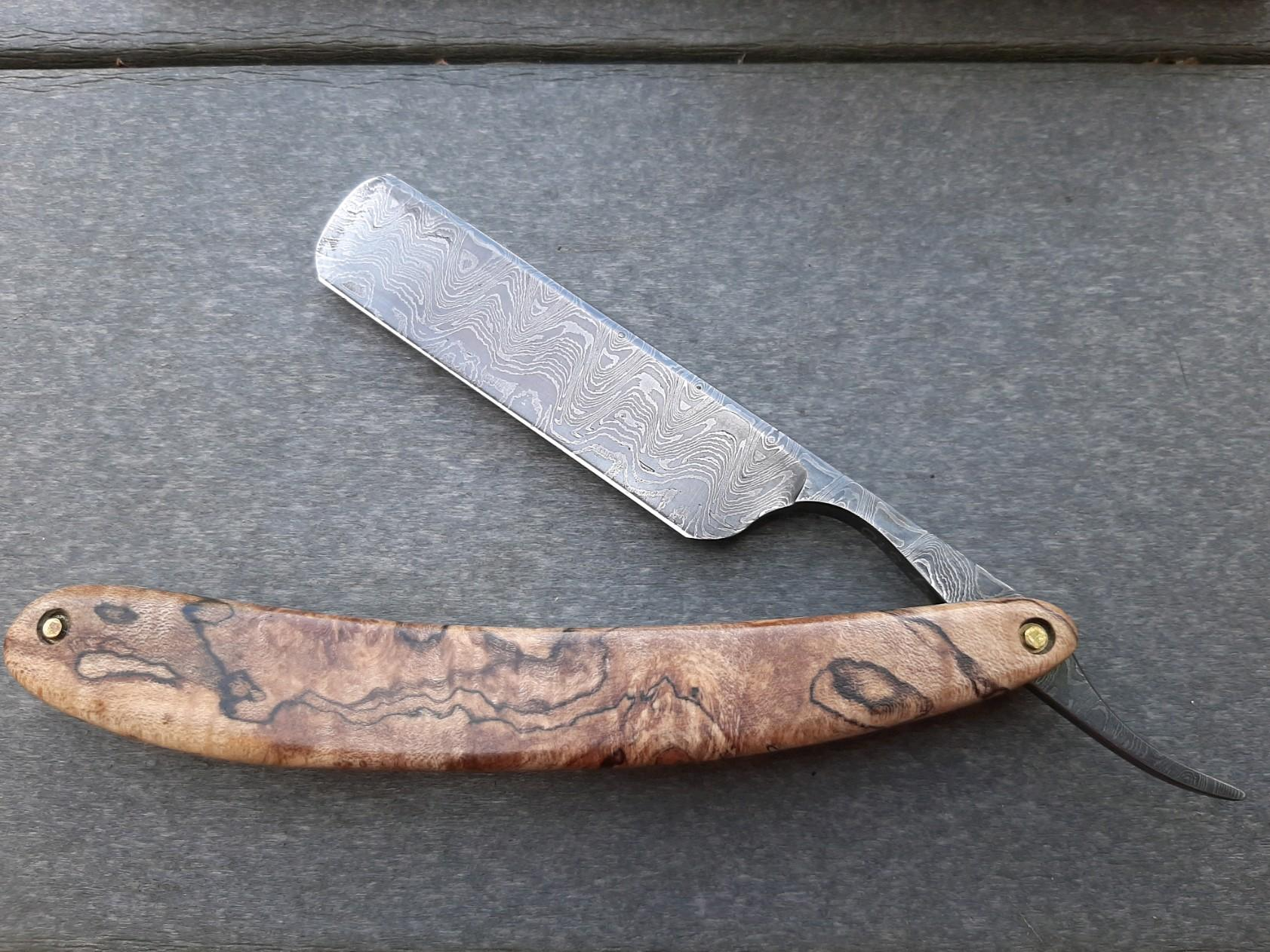 Bell and Hat Razor #510 with 1095 Damascus Steel blade from Randy Haas with spalted Damascus scales