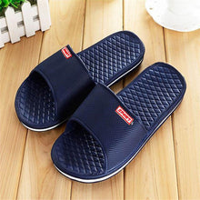 Men Shoes Solid Flat Bath Slippers Summer Sandals Indoor & Outdoor Slippers Casual Men Non-Slip Flip Flops Beach Shoes 41-44