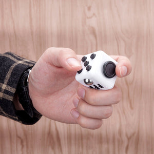 Fidget Cube (WHITE & BLACK)