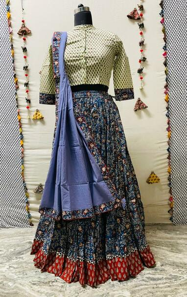 New 2021 Presenting cotton designer print crop-top & skirt with mulmul Dupatta Choli(Size-42)