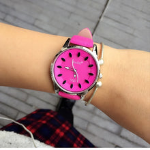 Classic 2017 New Fashion Simple Style Top Famous Luxury brand quartz watch Women casual Leather watches hot Clock Reloj mujeres
