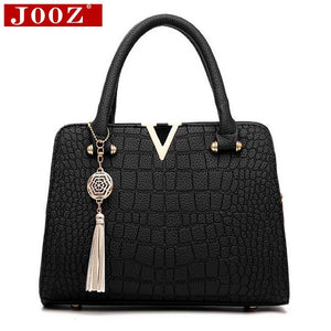 Crocodile leather Women Bag V letters Designer Handbags Luxury quality Lady  Shoulder Crossbody Bags fringed women Messenger Bag