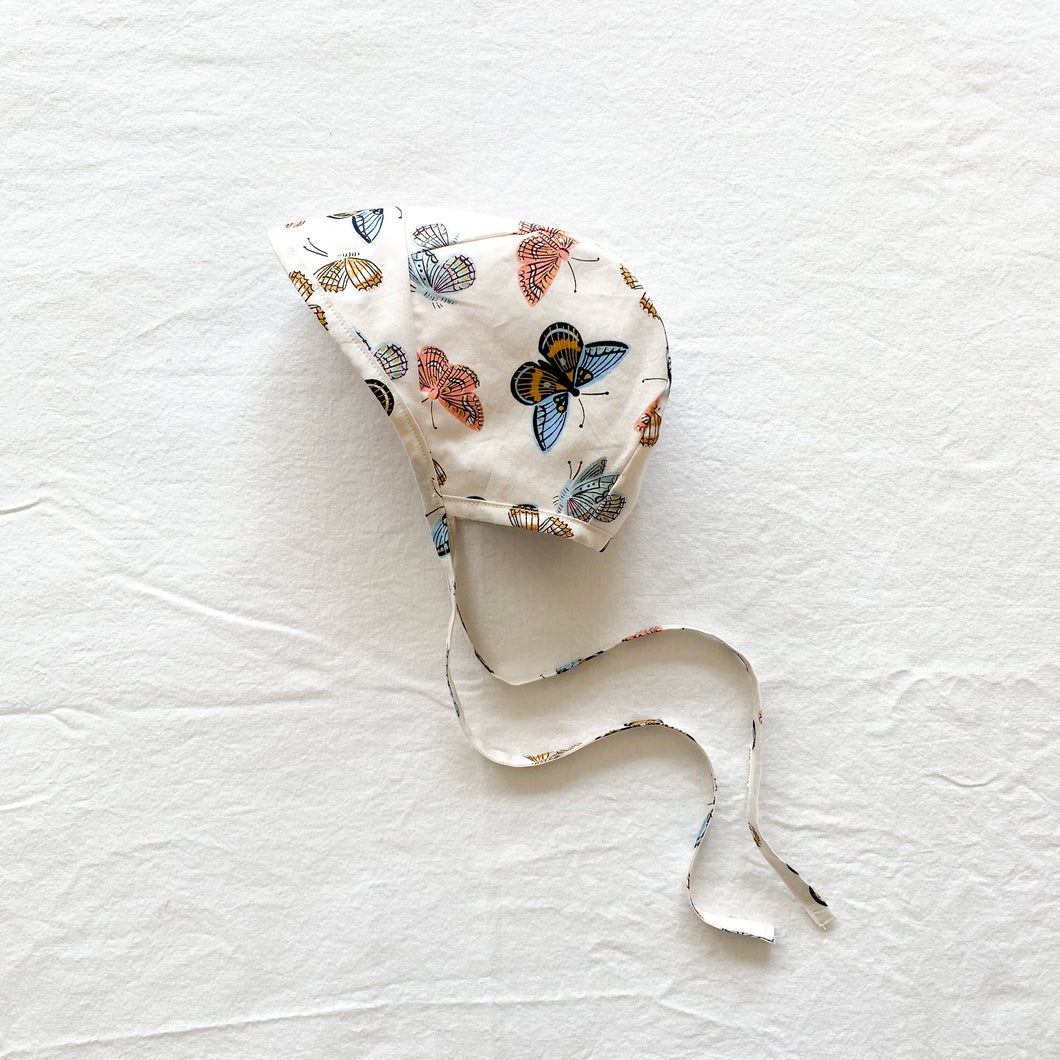 COTTON BONNET | CREAM BUTTERFLIES