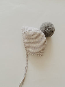 LINEN POMPOM BONNET | STRIPED GREY