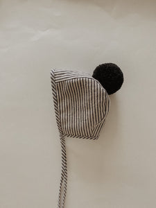 LINEN POMPOM BONNET | STRIPED BLACK