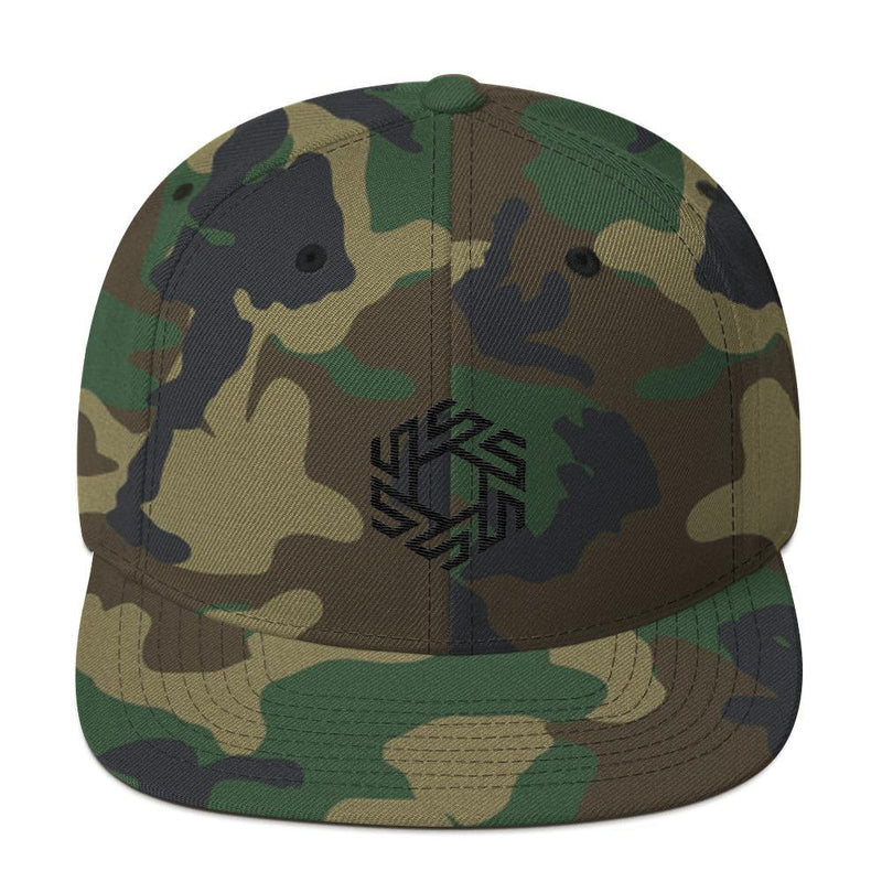 products/classic-fit-snapback-hat-green-camo.jpg