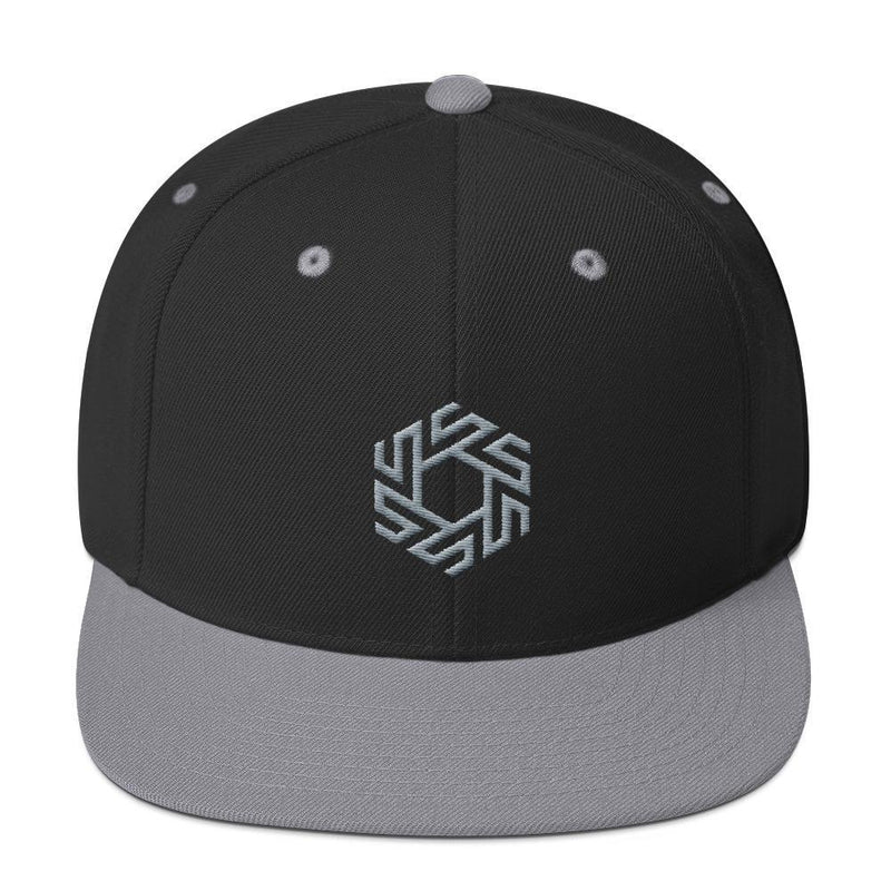 products/snapback-stolenco-logo-hat-black-silver-3.jpg