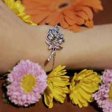 Load image into Gallery viewer, La Rosa Silver Bracelet
