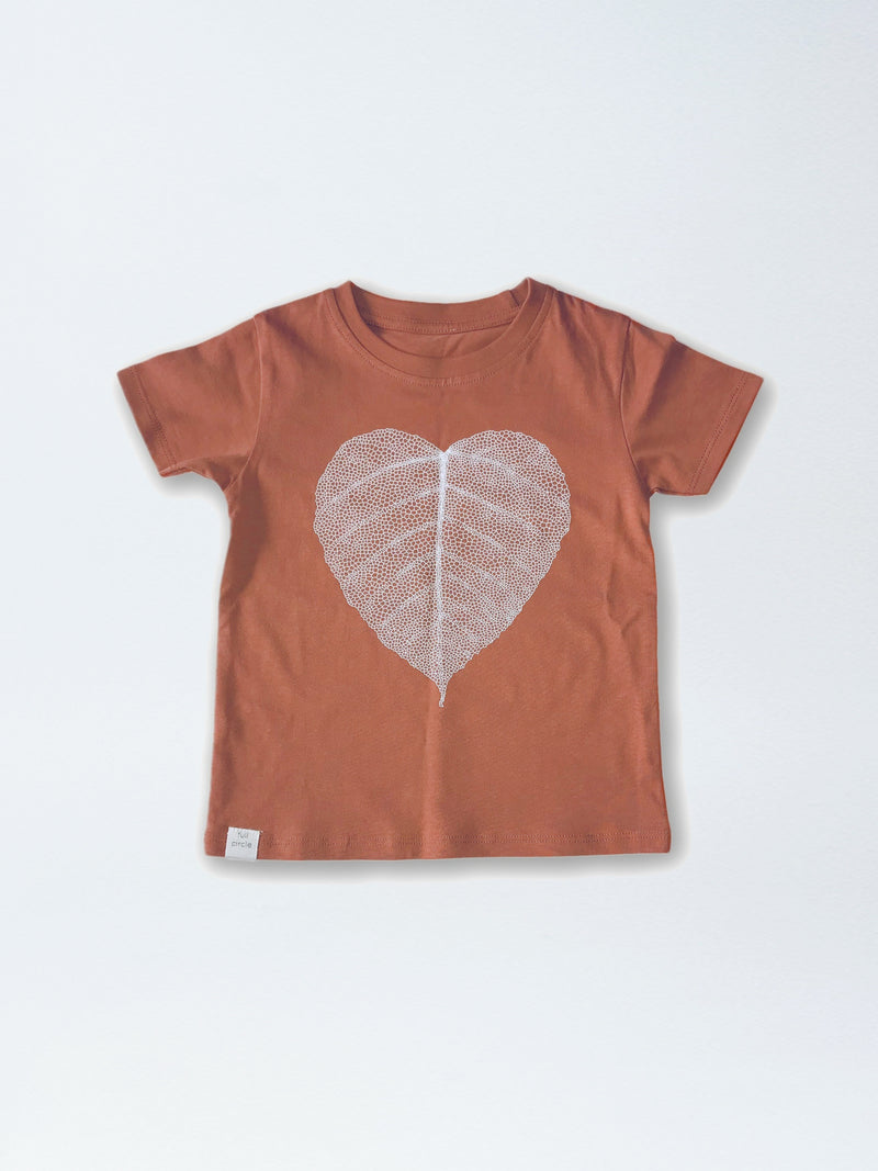 Graphic Tee- Leaf Heart