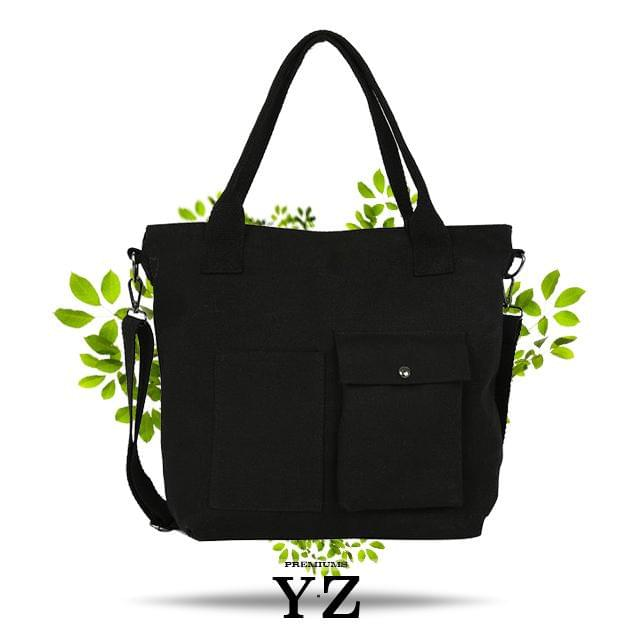 Our black shoulder bag is another variant of our special collection. Unlike the white bag, this color is an absolute candle that absorbs all light that hits it. The unique fabric ensures that nothing else in the area catches the attention of the crowd outside of this designer shoulder bag. Finally, YZ Premium's sought-after bag that has long been in the design process. Now it's time to take the step further in the fashion world!