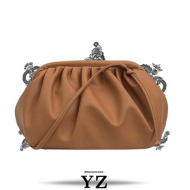 Find trendiest Clutch Pouch Bags perfectly designed and colored! Most popular Shoulder bags made by YZ Premiums. High quality pouch bag created to impress every individual while creating a new direction in the fashion world.