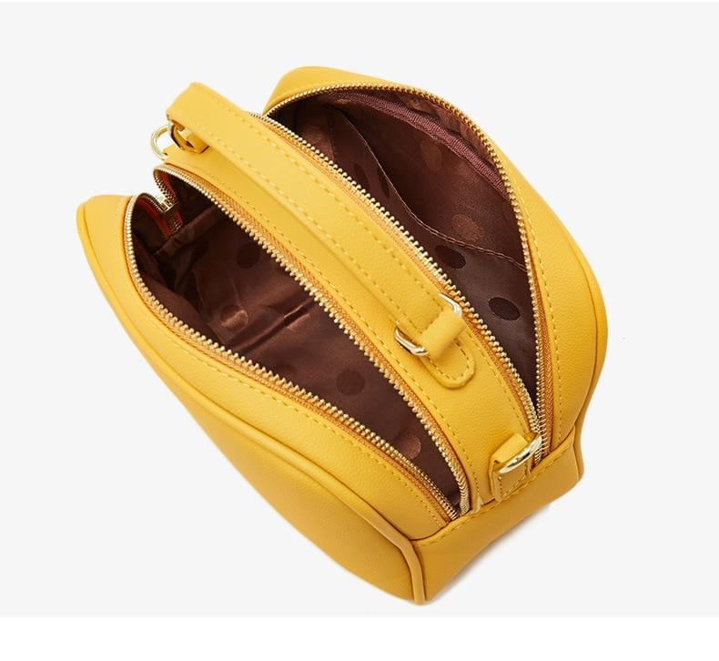 . Inside, we find two equally large pockets in the handbag that offer very good space for everything one would need for an important and charming occasion. Thanks to its soft fabric inside the pockets, the luxury feel continues on almost every corner of this charming handbag.