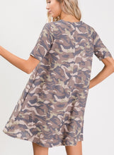 Load image into Gallery viewer, Melody camo keyhole dress