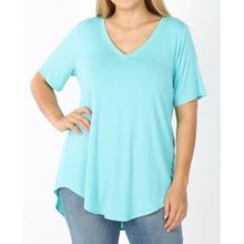 Load image into Gallery viewer, Basic B v neck tee in mint