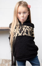 Load image into Gallery viewer, Little Girls Leopard Sherpa Pullovers