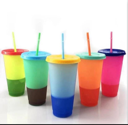 Color Changing Cups with Lids and Straws