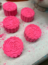 Load image into Gallery viewer, WS Fresh Picked Watermelon Bath Bombs