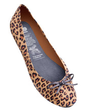 Load image into Gallery viewer, Leopard Rollasole Folding Flats
