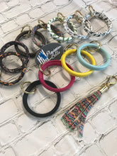 Load image into Gallery viewer, Leather Wrapped silicon bangle bracelet key rings