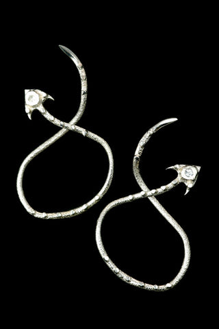 Arrow Earrings In Silver With Topaz
