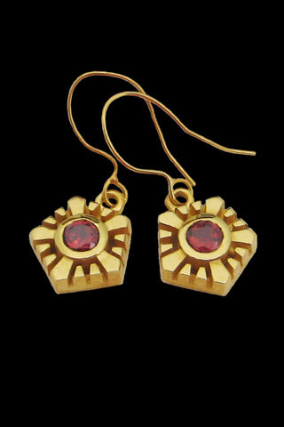 Helia Earrings With Garnets