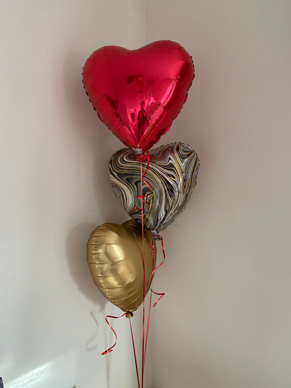 Bouquet of 3 foil hearts in red, gold & black