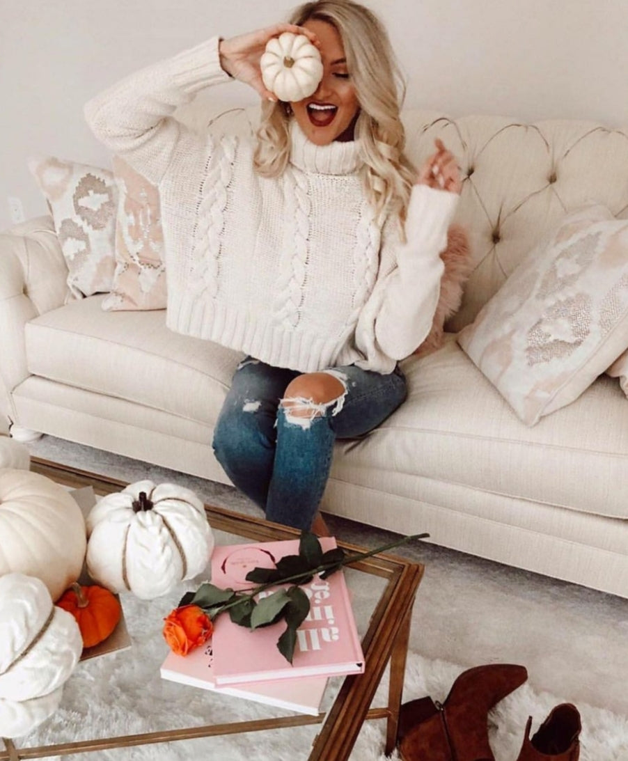 b5d08928723f44 'MARSHMALLOW' BRAIDED KNIT CROPPED TURTLENECK SWEATER – BLOOMS SALAD