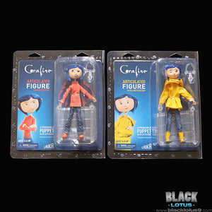 NECA - Laika - Coraline - Articulated Figure Set (Striped Shirt and Yellow Raincoat)
