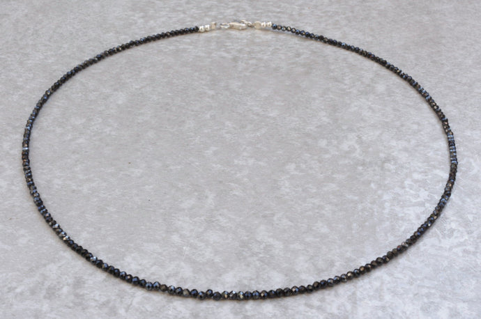 Black_spinel_beaded_necklace_for_women