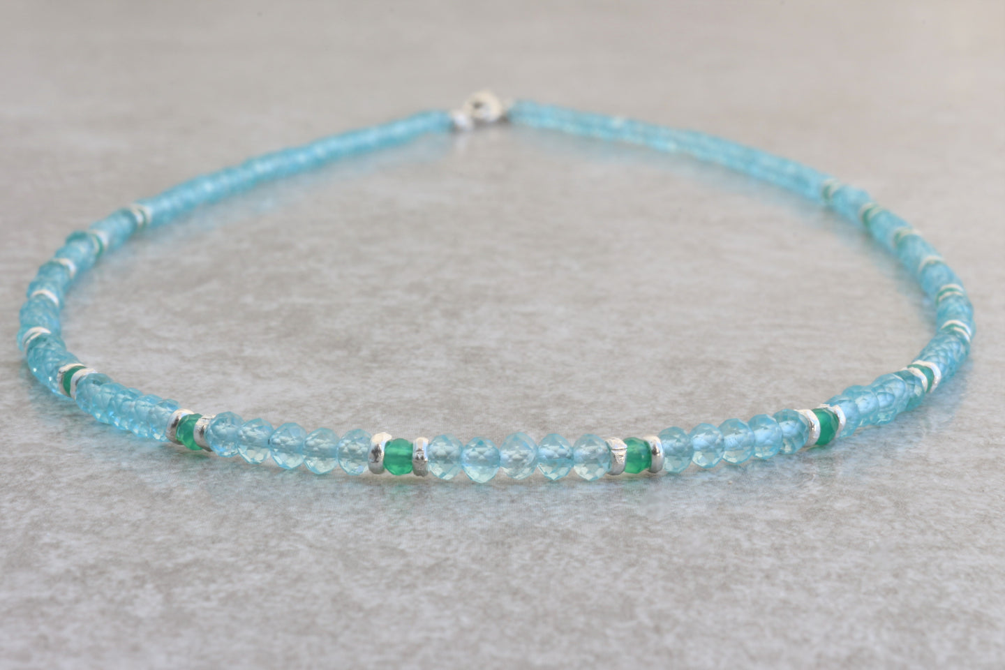 Dainty_aquamarine_beaded_necklace_for_women