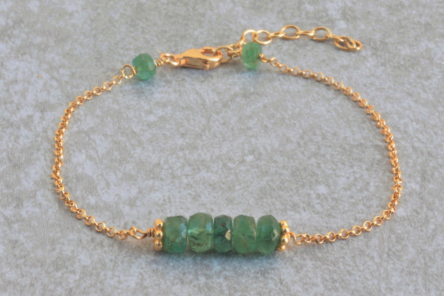 Green_emerald_delicate_bracelet_for_women_gold