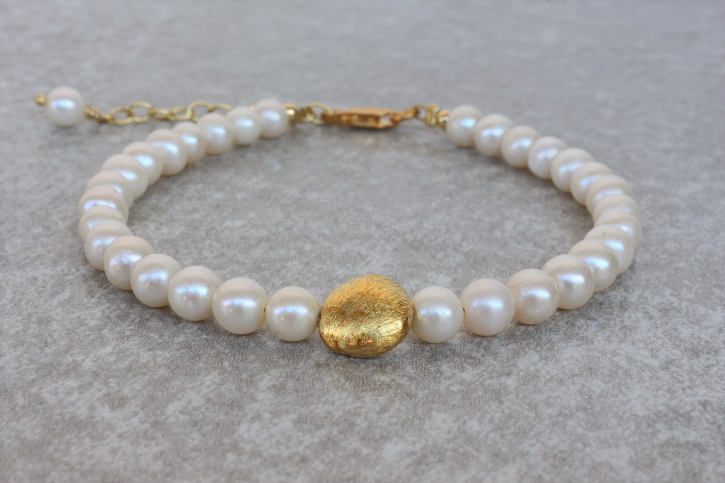 Pearl_beaded_gold_bracelet_for_women_wedding