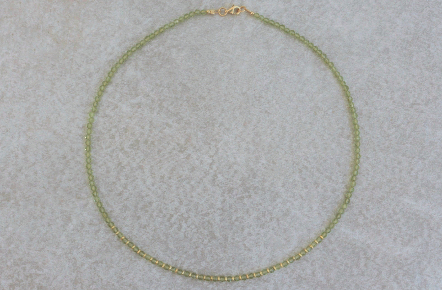 Peridot_beaded_necklace_for_women