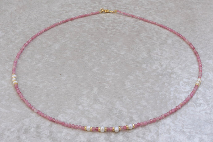 Pink_Tourmaline_beaded_necklace_for_women_pearl_gift_for_her