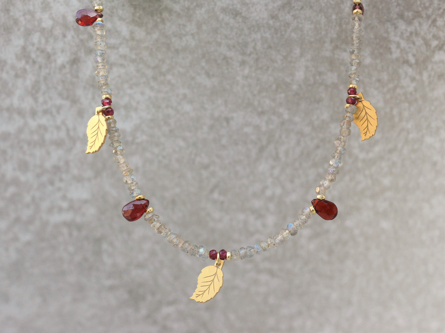 Statement_beaded_necklace_for_women_labradorite_garnet