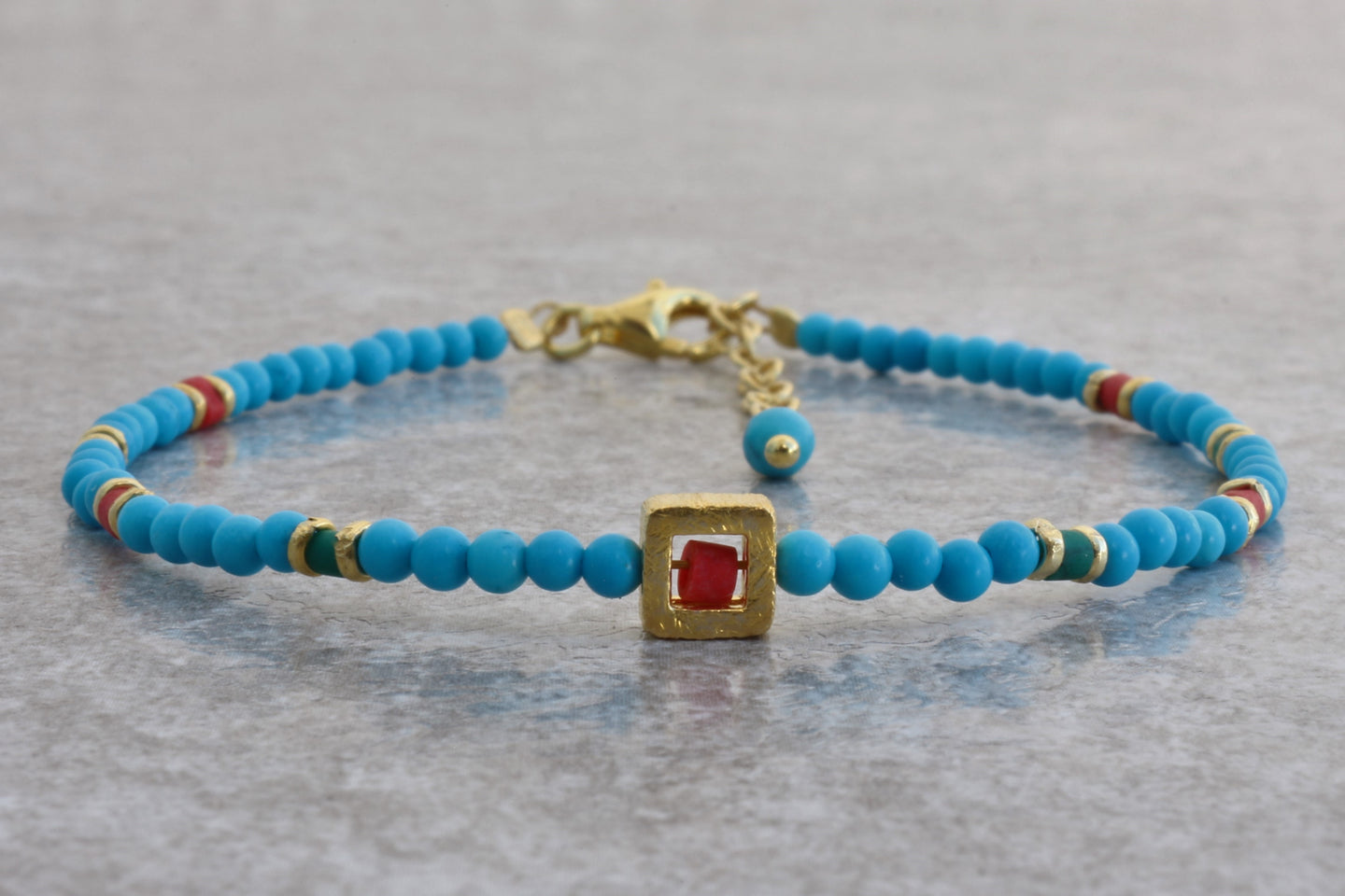 Turquoise_beaded_bracelet_coral