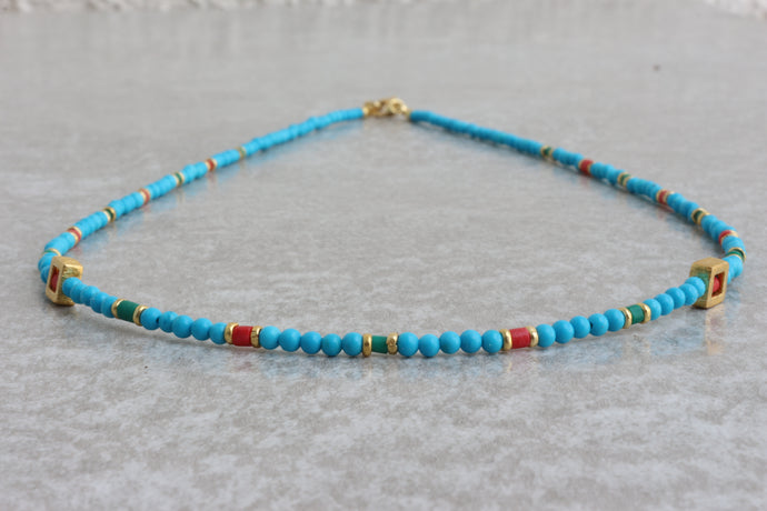 Turquoise_beaded_necklace_coral