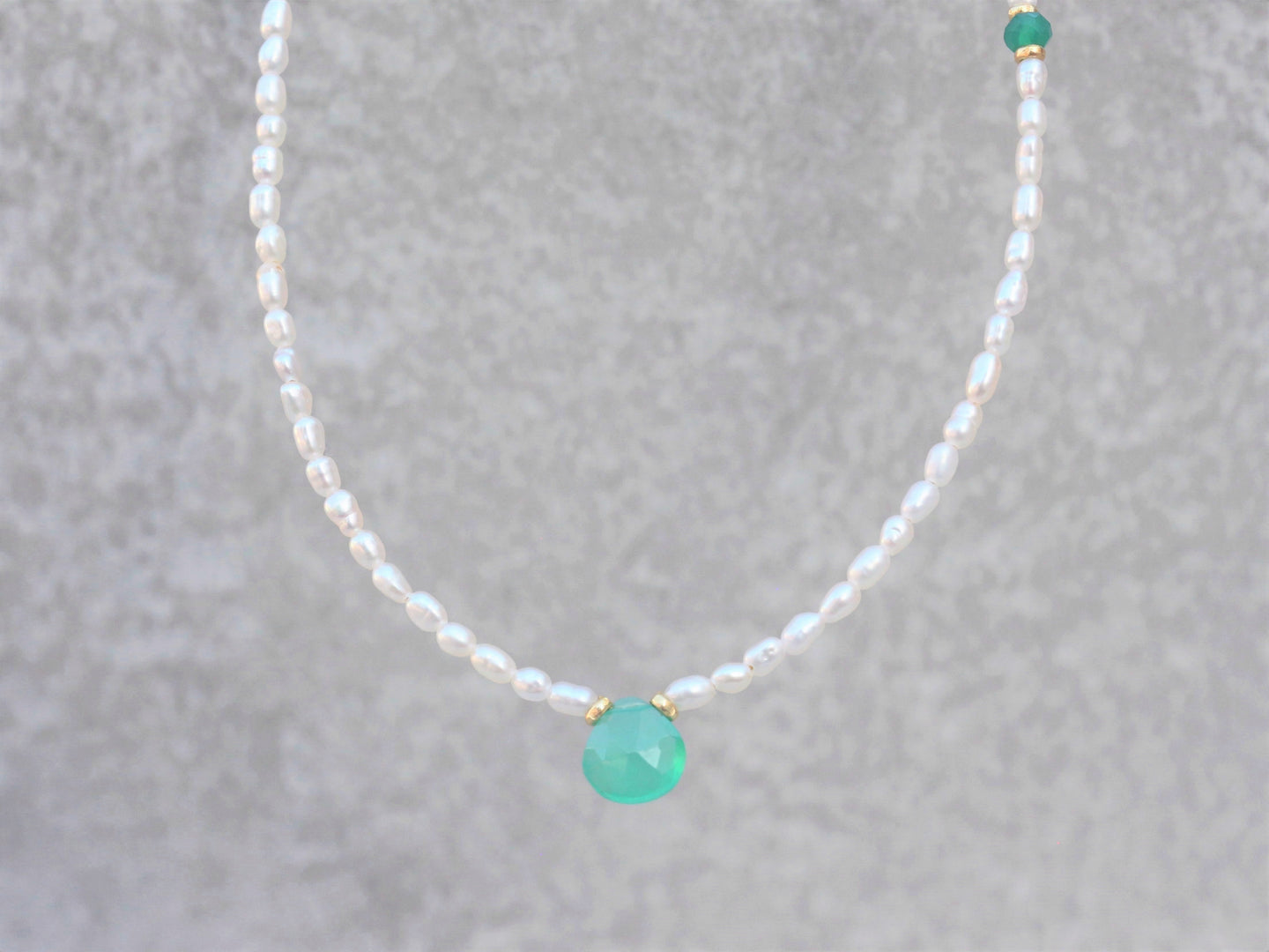 dainty_Beaded_pearl_necklace_for_her_green_onyx
