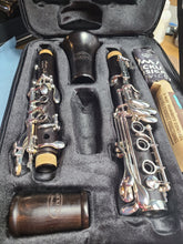 Load image into Gallery viewer, LIKE NEW Backun Protege Bb Clarinet, Grenadilla, Silver