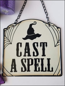 Cast a Spell Halloween DIY Wreath Kit - Designer DIY