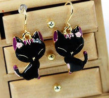 Kawaii Black and Purple Cool Cat Dangly Earrings - StyleBest Australia