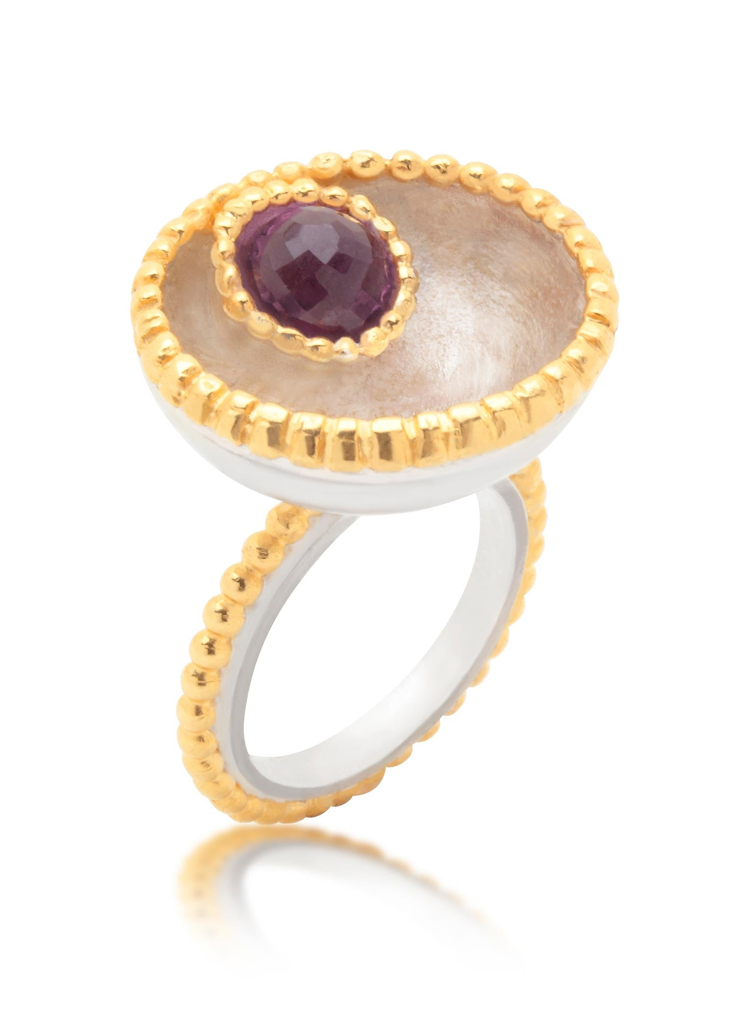 Large Byzantine gold ring and amethyst