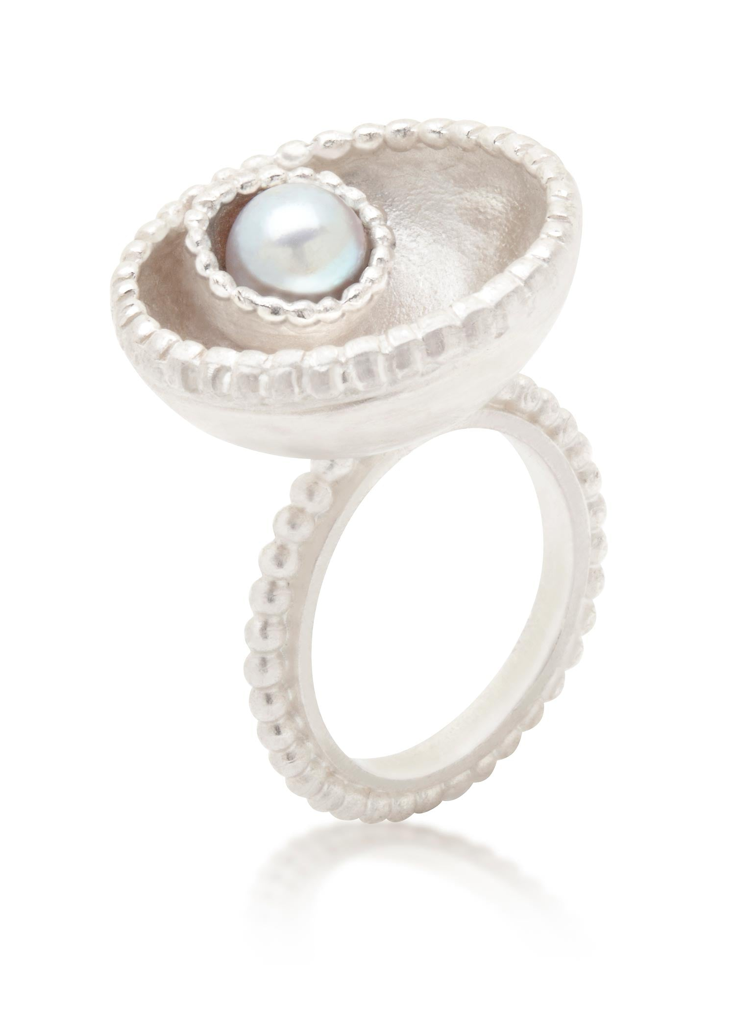 Large Byzantine silver ring with grey freshwater pearl