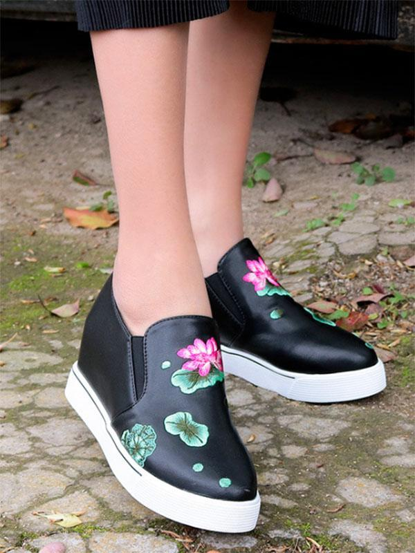 Embroidered Lotus Floral Leather Increased Internal Loafers