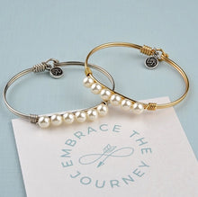 Load image into Gallery viewer, Crystal Pearl Bangle Bracelet In Classic White