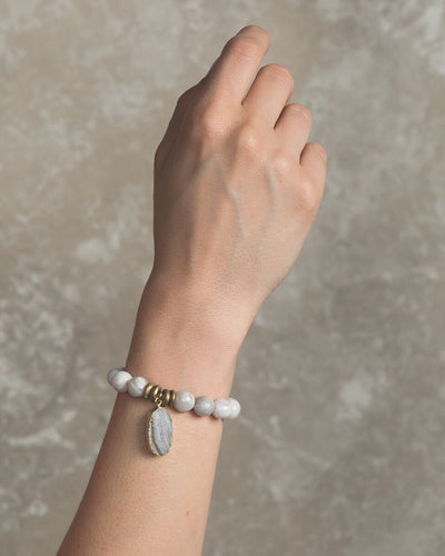 BE THANKFUL. Gray Agate Gemstone Bracelet
