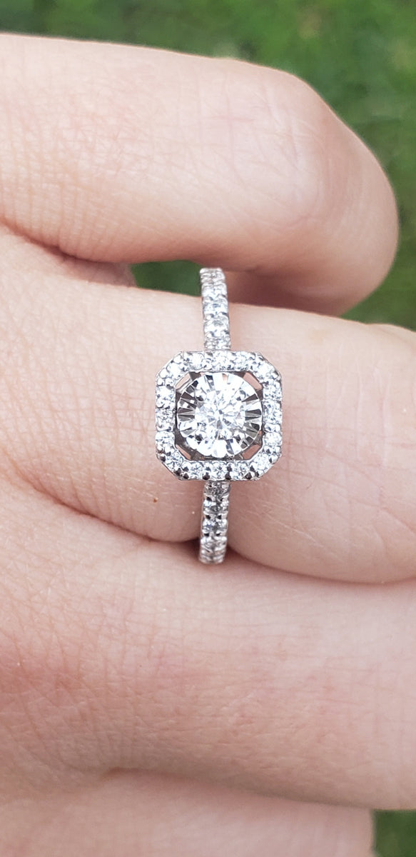 14K White Gold Diamond Engagement Ring with Diamond Halo ...